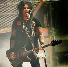 Just another day at the office Too Fast For Love, Shout At The Devil, Sixx Am, Live Wire, Set Me Free, Nikki Sixx, Bad Boys, Punk, Women