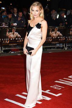 Сиенна Миллер в Lanvin на премьере фильма «Закон ночи» в Лос-Анджелесе