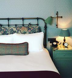 hotel bedroom The Ned London - Katie Considers Bedroom Inspo, Home Bedroom, Dream Bedroom, Master Bedroom, Bedroom Decor, Cosy Home, Boudoir, House Beds, Home Decor Accessories
