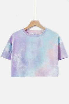 Great Pics Women Light-purple Tie Dye Round Neck Casual Crop Tee - M Concepts With this easy reservoir prime gown, I chose to utilize a dark color, a dime shade, and a bordeaux. Cropped Tops, Cute Crop Tops, Teen Crop Tops, Tank Tops, Top Fashion, Tie Dye Fashion, Street Fashion, Fashion Models, Mens Fashion