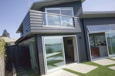 Scyon™ Linea™ weatherboard is the weatherboard that doesn't weather.