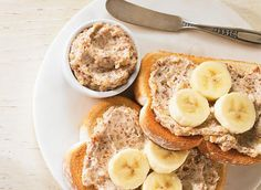 Maple almond spread //all you need is cheese~ricotta Breakfast Recipes, Snack Recipes, Cooking Recipes, Snacks, Fudge, Ricotta, Protein Foods, Protein Recipes, Morning Food