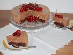 Tort cu ciocolata si cirese