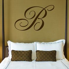 Love the Monogramm for the Wall idea