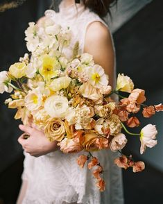 """2,068 Likes, 22 Comments - Once Wed (@oncewed) on Instagram: """"Ombre bouquet from @gatherdesigncompany. Photography by @annapetersphoto. See more of this gorgeous…"""""""