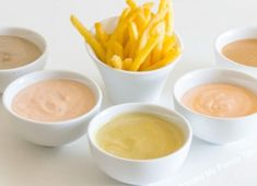 Gather the family around this evening to try 5 Amazing Fry Sauce Dips with CravOn Fries! Sauce A Fondue, Wok Sauce, Sauce Ketchup Mayonnaise, Mayo Sauce, Mayonnaise Recipe, Appetizer Dips, Appetizer Recipes, Dip Recipes, Cooking Recipes