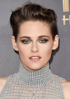 Kristen Stewart's eye makeup serves as the perfect inspiration for all your holiday party plans.