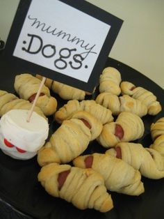 Cathie!!! These are so cute as an appetizer for Zacharys bday. Halloween Birthday Snack Ideas - Mummy dogs