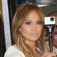 Jennifer Lopez is bringing back lip liner