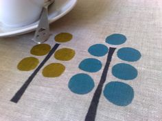 Linen Placemats Modern Trees Turquoise&Mustard Hand Printed (set of Stamp Printing, Printing On Fabric, Screen Printing, Hand Printed Fabric, Fabric Painting, Fabric Art, Linen Placemats, Fabric Stamping, Art Graphique