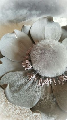 Head Accessories, Leather Accessories, Bead Embroidery Jewelry, Beaded Embroidery, Felt Flowers, Fabric Flowers, Shibori, Leather Flowers, Craft Items