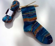 Zoals ik al zei, alle onderdelen om een simpele sok te breien vond ik op het internet. Ik heb technieken gekozen om een sok te kunnen breien...
