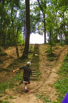 Disc Golf Photography by Lauren Lakeberg Disc Golf Courses, Football Fever, Golf Art, Golf Photography, Illinois State, Putt Putt, Golf Lessons, Golf Gifts, Style