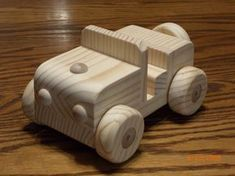 Wood Handcrafted Jeep Waldorf by mikebtoys on Etsy Woodworking For Kids, Woodworking Toys, Woodworking Projects Diy, Wood Projects, Wooden Toy Cars, Wood Toys, Natural Toys, Wood Worker, Wood Crafts