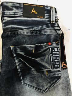 Black Jeans Men, Ripped Jeans Men, Denim Pants, Patterned Jeans, Stylish Mens Outfits, Camisa Polo, Stretch Jeans, Jeans Style, Denim Outfits