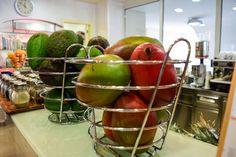 Frisches Obst und Gemüse in der Therme Portoroz http://www.travelworldonline.de/traveller/portoroz-lifeclass-hotels-wo-anti-aging-kult-ist/?fb_ref=Default&utm_content=buffere1df5&utm_medium=social&utm_source=pinterest.com&utm_campaign=buffer ... #food #healthy #therme #portoroz #gesund