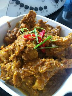 Ingredients: 1 kg chicken 1 pkt Satay powder or roasted peanuts, skinned. Bellini Recipe, Dinners To Make, Roasted Peanuts, Main Meals, Dinner Recipes, Thai Recipes, Chicken Recipes, Curry, Playground
