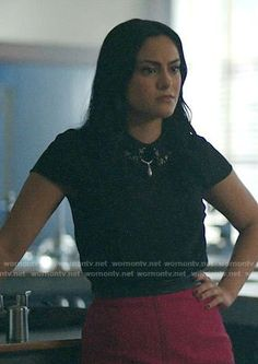 Veronica's black top with embellished collar and pink skirt on Riverdale Back To School Outfits, College Outfits, Outfits For Teens, Cute Outfits, Veronica Lodge Fashion, Veronica Lodge Outfits, Riverdale Fashion, Riverdale Cw, Riverdale Aesthetic
