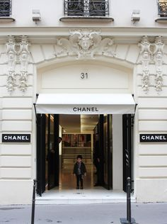 Chanel 31 Rue Cambon Door