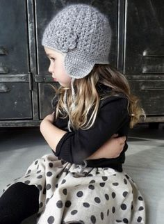 What a darling toque. Perhaps I can convince M to knit/crochet it for Little A!