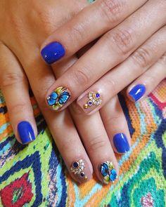 Apaixonada nessas nails feitas por @jack__marcelo usando meus adesivos.