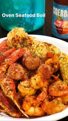Shrimp Boil In Oven, Cajun Seafood Boil, Seafood Broil, Seafood Boil Recipes, Seafood Bake, Seafood Dinner, Cajun Recipes, Shrimp Recipes, Fish Recipes