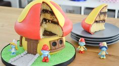 Hola!! Aquí les dejo a continuación la lista de materiales necesarios para realizar esta torta decorada de los Pitufos, junto con las rece...