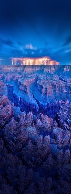 Lightning at Grand Canyon, Arizona, USA /// #travel #wanderlust