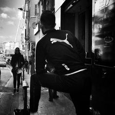 #people of the #street #marseille #bnwlife #bnwlovers #streetphotography #streetphoto #biancoenero #blackandwhitephotography #blackandwhite #streetphot #bnw #igersbnw #marseillerebelle #massalia #instamarseille #planetemars #laviesurmars
