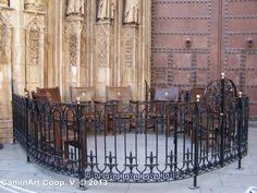 Tribunal de las Aguas, Valencia. Catedral de Valencia todos los jueves a las 12 h. del mediodía. Patrimonio de la Humanidad Inmaterial por la UNESCO.