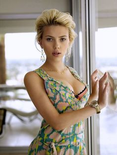 See the Scarlett Johansson nude and sexy pics here at Celebs Unmasked! She looks DAMN hot totally naked! We just love this beauty unclothed! Scarlett Johansson, Beautiful Celebrities, Beautiful Actresses, Beautiful Women, Beautiful Gorgeous, Beautiful Models, Beautiful People, Foto Glamour, Charlize Theron