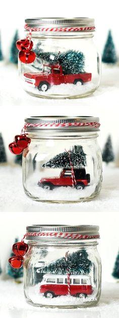Mason jar snow globe with vintage jeep wrangler. Mason jar crafts for Christmas. Mason jar kids crafts for Christmas. Vintage Jeep, Jeep Wrangler, Mason Jars, Mason Jar Crafts, Craft Gifts, Diy Gifts, Food Gifts, Diy Natal, Wine Bottle Crafts