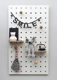 Peg-it-all : Wall-mounted Storage Panel in white