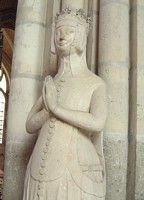 Notice placement of belt: belt has plaques  Beatrice de Bourbon, d. 1381. Basilique de St. Denis, Paris.