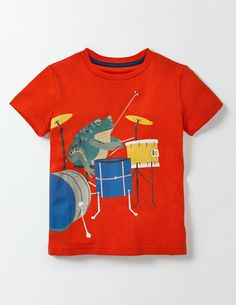 What's cooler than animals? Animals in a rock band, of course! We've put together a supergroup of party animals who are rocking out in these fun prints. Our T-shirt is made with soft cotton – perfect for staying comfortable when you're moving to the beat.