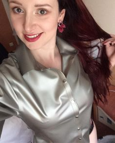 "Gefällt 846 Mal, 26 Kommentare - Miss Fetilicious (@missfetilicious) auf Instagram: ""Bought this super sexy shiny metallic silver blouse today at @demask_international Love it!…"""
