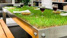 This is the PicNYC Picnic table designed by Haiko Cornelissen. Well, it's kind of like a picnic table, except covered in grass. Soooo not like any picnic Outdoor Spaces, Outdoor Living, Outdoor Decor, Outdoor Seating, Table Verte, Indoor Picnic, Indoor Outdoor, Creative Architecture, Eco Architecture