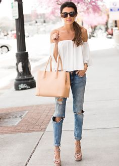 Feminine street style | casual and chic Summer outfit idea @hellofashblog