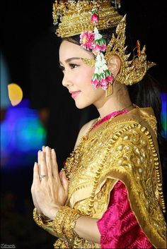 Thai women and Thai Traditional dress .( Noon Woranuch )