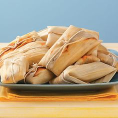to Make Tamales How to Make Tamales Use these steps to learn how to make tamales, plus find a delicious tamale recipe.How to Make Tamales Use these steps to learn how to make tamales, plus find a delicious tamale recipe. Mexican Cooking, Mexican Food Recipes, Great Recipes, Favorite Recipes, I Love Food, Good Food, Yummy Food, Bento, How To Make Tamales