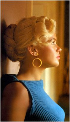 Jayne Mansfield, 1950s. You can really see Mariska in this pic, beautiful! See more photos of Jayne at Bombshells: www.bombshells.com