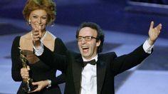 Nel 1999 è Sofia Loren a consegnare l'Oscar al miglior film straniero a Roberto Benigni.