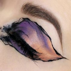 purple fade to orange gold color blend > black undefined outline > eye makeup art > watercolor look Makeup Goals, Makeup Inspo, Makeup Art, Makeup Inspiration, Beauty Makeup, Body Makeup, Makeup Drawing, Makeup Ideas, Eyeliner