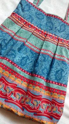 torba, kolorowe pasy, niebieska torba kolorowa,  torba optymistyczna,  torba letnia, torba na wyjście, torba na zakupy