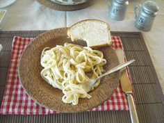 Easy Homemade Fettuccini Alfredo Sauce(no cream cheese and no heavy whipping cream)