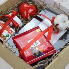 Gift box present balenie darčekov, darčekové škatuľky и vian Birthday Gifts For Teens, Birthday Gifts For Boyfriend, Diy Gifts For Boyfriend, Women Birthday, Birthday Ideas, Diy Gift Box, Diy Box, Wedding Ideias, Gift Baskets For Men