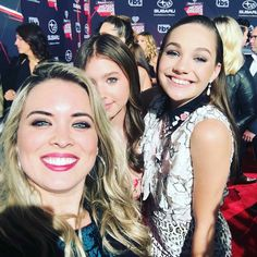 Maddie Ziegler and Lilia Buckingham, at the iHeart Awards.