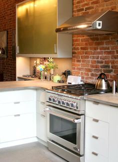 Kitchen Tour: Laura and Chris's Brownstone with a Twist
