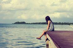 Εάν αυτό το κενό προέρχεται από την παλαιότερη απώλεια ενός αγαπημένου προσώπου, μην θυμώνετε με τον εαυτό σας επειδή θρηνείτε μετά από καιρό. Η απώλεια ενός αγαπημένου προσώπου είναι επώδυνη και παρόλο που αλλάζει μορφή