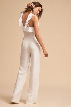 ML Monique Lhuillier Ivory Fremont Jumpsuit Little White Dresses, White Outfits, Classy Outfits, Jumpsuit Outfit, Casual Jumpsuit, Elegant Jumpsuit, Jumpsuit Elegante, Bridal Pants, Look Fashion